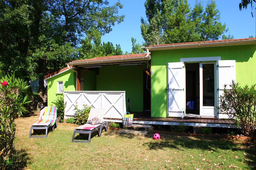 Quelles sont les offres d'hébergement et de location au camping L'Air Marin ?