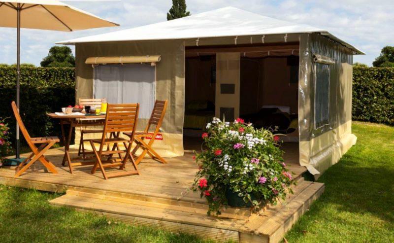 Quels sont les tarifs de location d'un hébergement au camping Les Calquières Aveyron ?