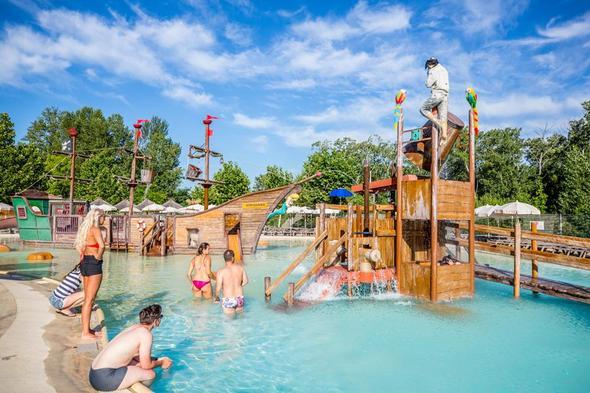 Vous rêvez de passer des vacances de grand standing ? Réservez votre place au Domaine le Pommier !