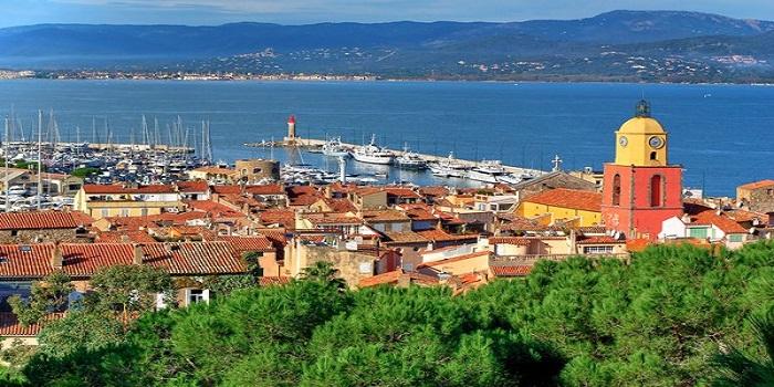 Villégiature à Saint-Tropez : comment s'assurer de dépenser peu ?