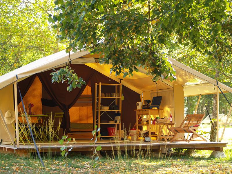 Hébergement insolite en Rhône-Alpes : où en trouver ?
