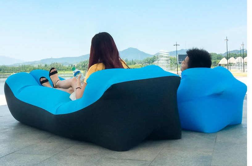 Le hamac gonflable, l'indispensable à la plage ?